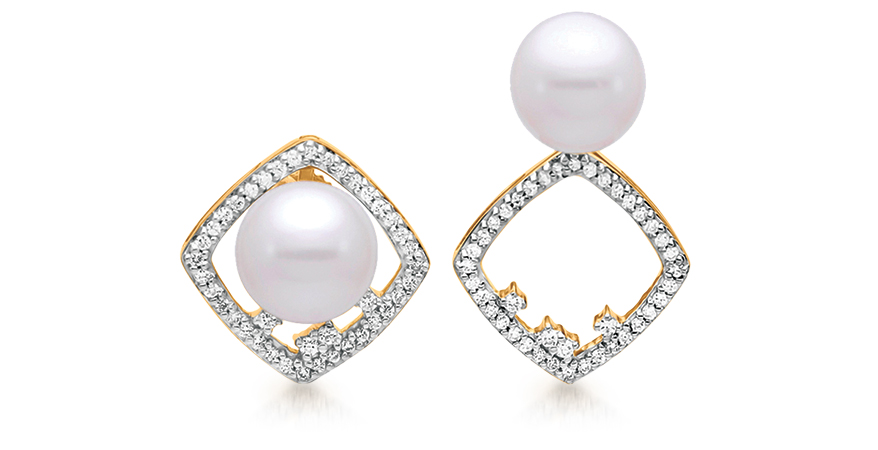 Pearl earrings from Mastoloni